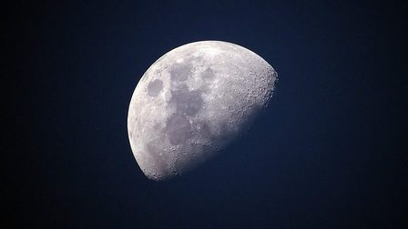 Moon-1527501_640_thumb_main